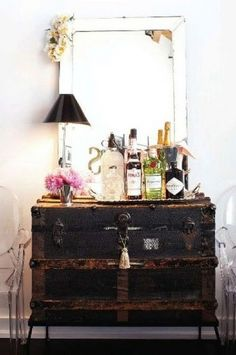 Rustic trunk/storage - cool idea for a in impromptu cocktail buffet!
