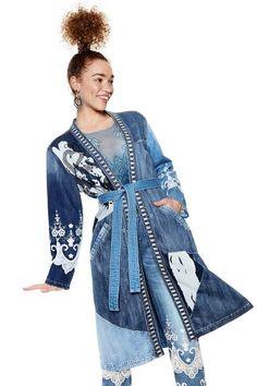 Desigual džínový kabát Martha s výšivkami - Dámske Kabáty 881b512e6c6