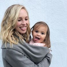 Candice Accola King and her cute doughter The Vampires Diaries, Vampire Diaries Cast, Vampire Diaries The Originals, Caroline Forbes, Stephan And Caroline, Candice Accola, The Cw, Nina Dobrev, Candice King