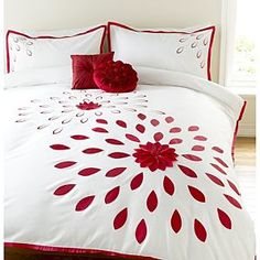 ASDA Embellished Duvet Set Red Flower Burst - Single Bed Cover Design, Bed Design, Draps Design, Bed Sheet Painting Design, Designer Bed Sheets, Embroidered Bedding, Fabric Paint Designs, Bed Runner, Bed Sheet Sets