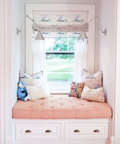 How cute is the window seat and the custom valance with matching pillows.  #WindowSeat  #romanshades