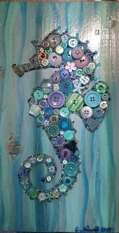 Seahorse in Buttons & Beads with Acrylic Paint Background on Recycled Wood. Buttons & Colors may vary. Button Art, Button Crafts, Seahorse Crafts, Craft Projects, Sewing Projects, Project Ideas, Craft Ideas, Seed Bead Art, Rooster Art