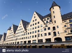 Download this stock image: Residential complex Siebengebirge in former warehouses, Rheinauhafen district, Cologne, North Rhine-Westphalia, Germany, Europe - CR8MH4 from Alamy's library of millions of high resolution stock photos, illustrations and vectors.