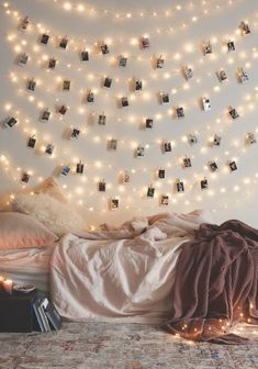 Фотография: Спальня в стиле Скандинавский, Декор интерьера, Советы, Новый Год, HOFF – фото на InMyRoom.ru