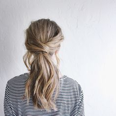 If you hate complicated updos that use a zillion bobby pins, go check out my new tutorial for this crossover ponytail ft. @moroccanoil's new light-tone dry shampoo. It's ridiculously simple and all you need is two hair ties! Tag me in your photos if you try this look so I can see! www.zippedblog.com, link in profile. #hairtutorial #lowponytail