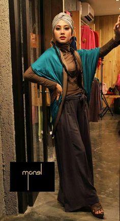 very unique, makes splendid character Islamic Fashion, Muslim Fashion, Modest Fashion, Hijab Fashion, Style Fashion, Modest Wear, Modest Outfits, Cute Outfits, Stylish Hijab