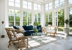 New England Hus, Outdoor Furniture Sets, Outdoor Decor, Stairways, Architecture, Beautiful Homes, Outdoor Living, House Design, Patio