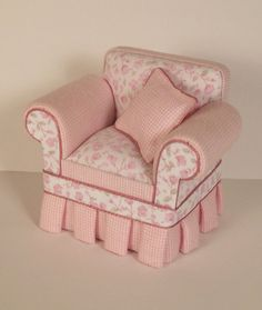 1:12 Shabby Chic Cottage Chair