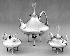 1961 Gorham Silver Service for the U. Long Beach, by designer Richard L. Not antique - but atomic age! I love the finials on the tea service (SMP Silver Salon Forums) Vintage Silver, Antique Silver, Gorham Silver, Bronze, Tea Pot Set, Atomic Age, Area 51, Tea Service, Long Beach