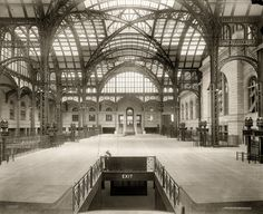 """lostsplendor: """"Penn Station, 1910 (via) """" Whenever I see photos of the old Penn Station, destroyed in I think of a quote I heard in Ric Burns' documentary New York. Vintage Photographs, Vintage Photos, Shorpy Historical Photos, Vintage New York, Vintage Black, Old Photos, Nice Photos, Old And New, New York City"""