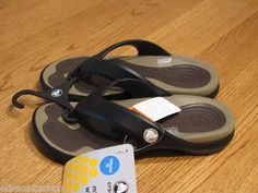 Mens womens crocs relaxed fit Modi flip flops sandals thongs M 5 W 7 black khaki