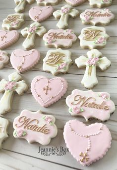 Religious cookies for aa Baptism. Girl Baptism Party, Christening Cake Girls, Christening Cookies, Girl Baptism Cakes, Baptism Ideas Girls, Baptism Cupcakes, Baby Baptism, Baptism Party Decorations, Baptism Centerpieces