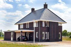 Meer informatie vrijstaande of 2 onder 1 kap woning Holland House, European House, Gazebo, Outdoor Structures, House Design, Garage, Villa, Home, House Construction Plan