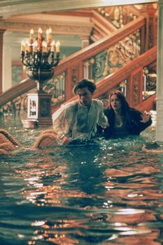 """Leonardo DiCaprio and Kate Winslet in """"Titanic"""" - watched this for the first time, and I bawled my head off. New favorite movie. Film Titanic, Titanic History, Rms Titanic, Titanic Wreck, Titanic Sinking, Titanic Ship, Movies And Series, Movies And Tv Shows, Jack Dawson"""