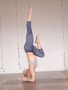 Are you interested in adding Forearm Stand (Pincha Mayurasana) to your yoga practice? Here are 4 yoga poses to prepare you for Forearm Stand: Yoga Inversions, Yoga Sequences, Yoga Poses, Yoga Headstand, Handstands, Ashtanga Yoga, Forearm Stand, Strength Yoga, Health And Fitness