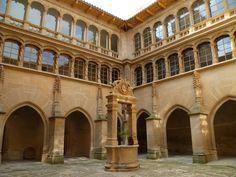 Os invitamos a pasear por el convento de San Bartolome. #historia #turismo  http://www.rutasconhistoria.es/loc/convento-de-san-bartolome