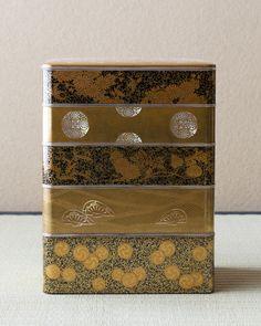 Maki-e lacquer multitiered box from Meiji era (1868~1912), Japan