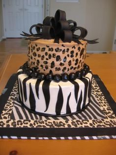 Jungle Cake First attempt at fondant bow--DISASTER--too heavy-almost sank the ship! But, overall cake turned out fine for my friend's. Cheetah Cakes, Zebra Print Cakes, Leopard Cake, Zebra Cakes, Pink Leopard, Pretty Cakes, Cute Cakes, Beautiful Cakes, Amazing Cakes