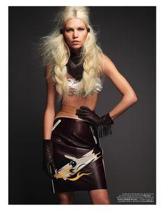 Vogue Turkey Mayo 2012 Fotografía: David Vasiljevic Styling: Kate Mossman Modelo: Aline Weber