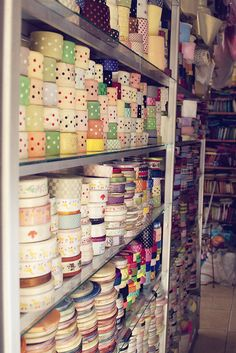 ribbon heaven! If I could choose from that everyday for my hair I'd be all set!! <3 love ribbon
