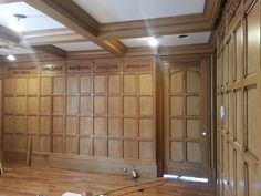 Tudor Study Quartersawn Oak Paneling Detail with paneled doors Tudor Decor, Arched Interior Doors, Estilo Tudor, English Tudor Homes, Beadboard Wainscoting, Craftsman Furniture, Tudor Style Homes, Oak Panels, Wood Panel Walls
