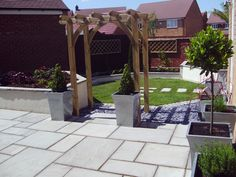 A small town garden designed and construced by Jill Blackwood Garden Design in a contemporary style