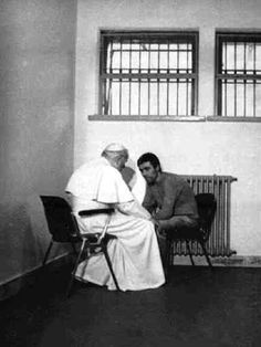 Pope John Paul II talks to Mehmet Ali Agca, in Agca's cell in Rome's Rebibbia prison on December . On May Mehmet Ali Agca shot Pope John Paul II four times as the pope rode in an open car across St. Papa Juan Pablo Ii, Photos Rares, Religion Catolica, Pope John Paul Ii, Papa Francisco, Interesting History, Pope Francis, Faith In Humanity, Historical Photos