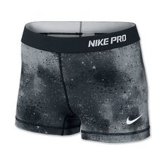 "You can't get in the best workout possible when you are busy worrying about your ill-fitting shorts. That's why the Nike Pro Core 2.5"" Printed Women's Running …"