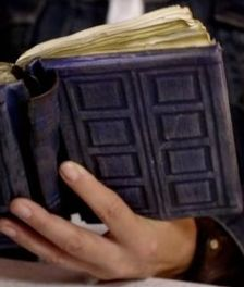 River Song's TARDIS journal DIY. I already have one but still cool.