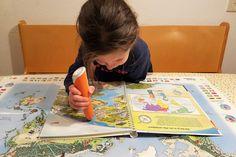 Spelen en tegelijkertijd nog wat opsteken van aardrijkskunde en topografie? Dat doe je met dit tiptoi atlasboek! https://www.mamaliefde.nl/blog/tiptoi-startersset-wereldatlas/