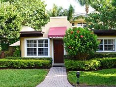 Charming 2 bedroom Condo with pool and beach   **Monthly Rental Only in Winter**   Vacation Rental in Delray Beach from @homeaway! #vacation #rental #travel #homeaway