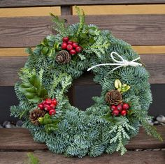 My green universe: small trees and winter wreaths. Xmas Wreaths, Christmas Decorations, Christmas Ornaments, Holiday Decor, Winter Wreaths, All Things Christmas, Christmas Time, Fresh Wreath, Christmas Front Doors