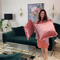 Home decor and design tutorials weekly lisaherland on IG Spring decorating and living room decor