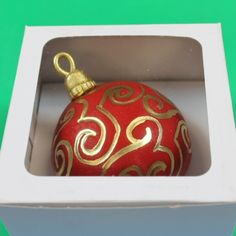 Christmas Ornament Cupcake Tutorial by Global Sugar Art