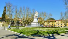 Pisa is a city full of Italian culture, buildings, parks and statues as well as delicious pizza and gorgeous gelato. The top things to do in Pisa. Stuff To Do, Things To Do, Pisa Italy, Hostel, Sidewalk, Tower, Park, City, Things To Make