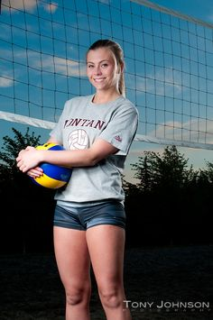 While it is true that senior portraits should preserve what the senior looks like at a point in their life I try to add something dynami. Volleyball Poses, Volleyball Senior Pictures, Female Volleyball Players, Volleyball Shorts, Senior Photos Girls, Women Volleyball, Senior Girls, Volleyball Photography, Beautiful Athletes