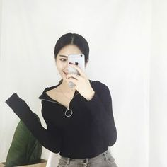 Buy Alfie Ring-Accent Turtleneck Long-Sleeve Top at YesStyle.com! Quality products at remarkable prices. FREE WORLDWIDE SHIPPING on orders over US$35.