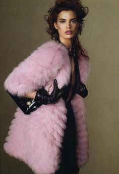 Pastel Pink Furs : love at first sight in vogue