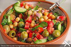 Kichererbsen - Oliven - Salat, ein sehr schönes Rezept aus der Kategorie Gemüse. Bewertungen: 67. Durchschnitt: Ø 4,1.