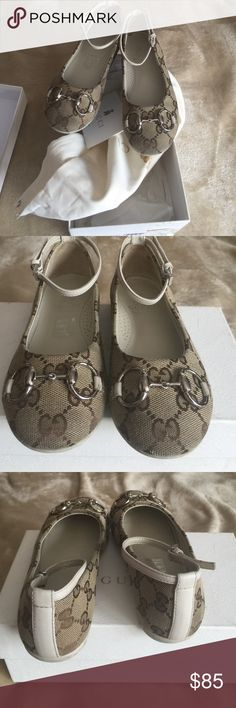 Kids Gucci Little Girls Gucci beige ebony and white flats with ankle straps. Box n dust bag included Gucci Shoes