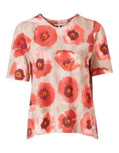 Summery t-shirt in a smooth viscose with a hint of elastane for maximum wearer comfort.