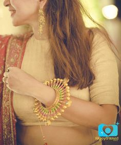 As a bride, you'll definitely be buying or getting gold or diamond bangles at the wedding, but wanna know what's in store in the imitation jewellery department? Whether you're looking at bangles for your Engagement, Mehendi or Sangeet, there are a lot of options available if you don&#