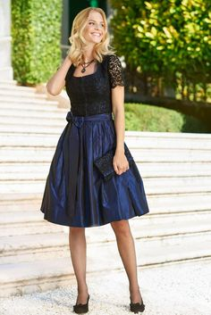 Girls' styles ideas to actually make you feel and look your best! Go Out Outfit Night, Night Outfits, Pantyhose Outfits, Club Outfits For Women, Clothes For Women, Girl Fashion, Fashion Dresses, Cozy Fashion, Dirndl Dress