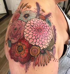 Ideas For Flowers Bouquet Tattoo Shoulder Rn Tattoo, Tattoo Trend, Tattoo Und Piercing, Tattoo Pics, Samoan Tattoo, Polynesian Tattoos, Shoulder Cap Tattoo, Shoulder Tattoos For Women, Thigh Sleeve Tattoo
