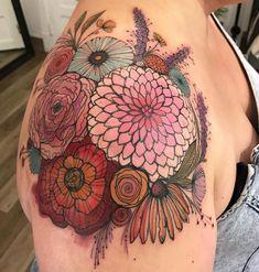 Ideas For Flowers Bouquet Tattoo Shoulder Rn Tattoo, Tattoo Trend, Tattoo Und Piercing, Tattoo Pics, Samoan Tattoo, Polynesian Tattoos, Wrist Tattoo, Shoulder Cap Tattoo, Shoulder Tattoos For Women
