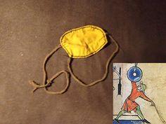 Schleuder: nach diversen abbildung aus dem gesamten hoch- und Spätmittelalter, wie zb einer auf 1250 datierte abbildung aus der Maciejowski-Bibel (siehe oben). Schleudern waren wohl im Mittelalter nicht sehr verbreitet, wenn, dann wohl als sekundärwaffe.