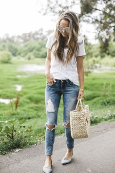 Summer Basics + Retailers Who Are Doing Great Things Merricks Art, White Tees, Stitch Fix, Spring Fashion, Personal Style, Spring Summer, Retail, Heart, Womens Fashion