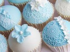 Eine schöne Alternative zur Hochzeitstorte: Cupcakes