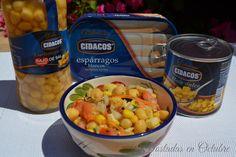 Rica ensalada de garbanzos para tomar fresquita en un día de verano, con ingredientes sanos y saludables para todos los gustos.