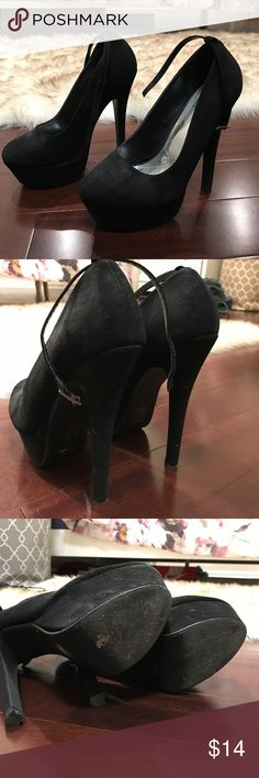 Black Sexy Heels with Removable Strap Super comfy and cute. Used for photo shoots now and then. If you're a 7 to 7-1/2 these fit perfect and don't budge you can run in these. Shoes Platforms
